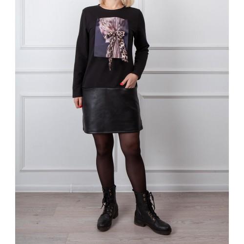 Moteriška juoda laisvalaikio suknelė su piešiniu LEN04