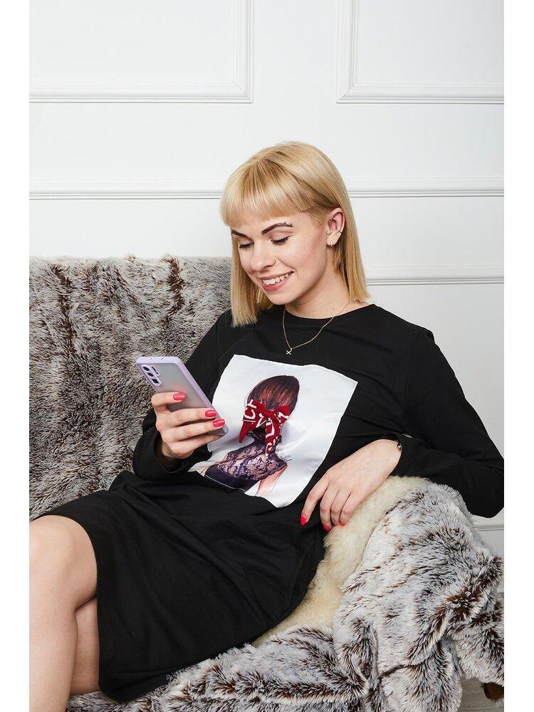 Moteriška juoda laisvalaikio suknelė su piešiniu LEN205